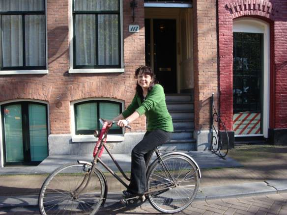 Bell biking in Amsterdam, Is Amsterdam a Good Move for You?