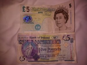 front and back of a 5 British pound note