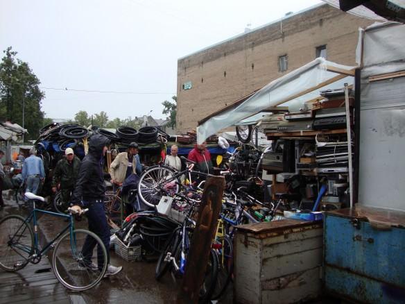 ridiculous Latgale Tirgus flea market4