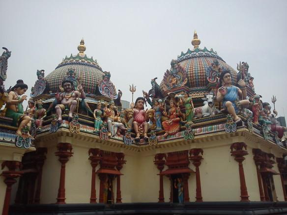 The Sri Mariamman Temple- Crazy Singapore.