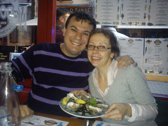 Alex & bell with a plate of oysters at McDonaghs seafood