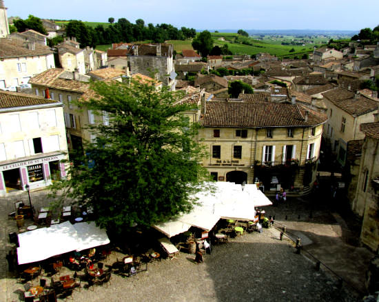 Saint Emilion Square, great dining option in France