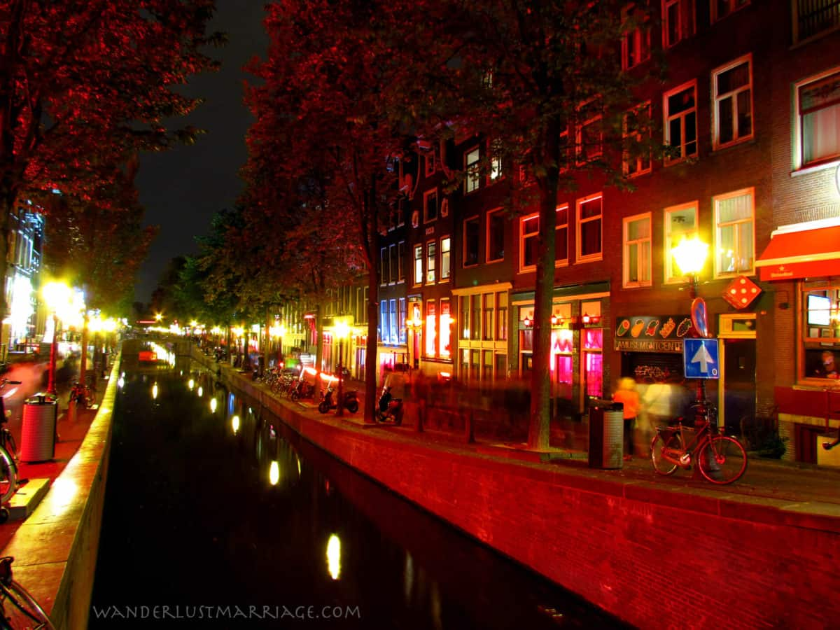 amsterdam 39 s red light district at night wanderlust marriage. Black Bedroom Furniture Sets. Home Design Ideas