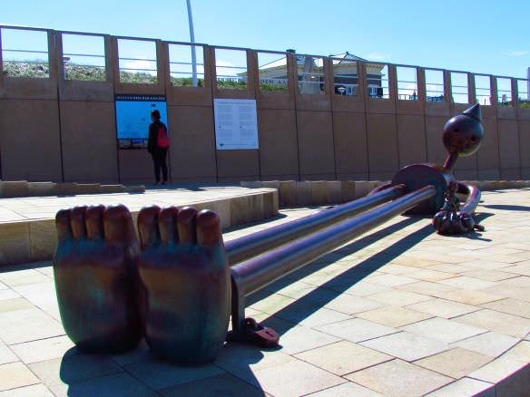 Scheveningen long sculpture