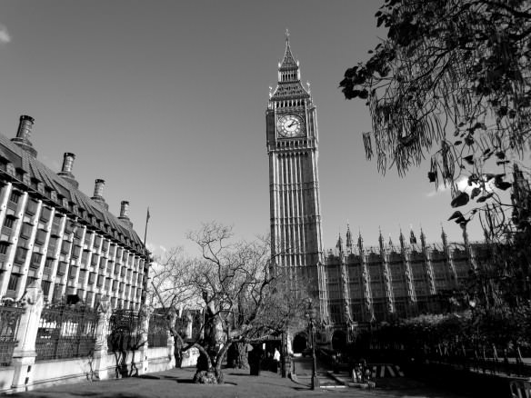 Black and white photo of Big Ben in London