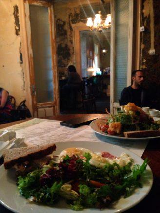 Breakfast in a beautiful old mansion in Bucharest