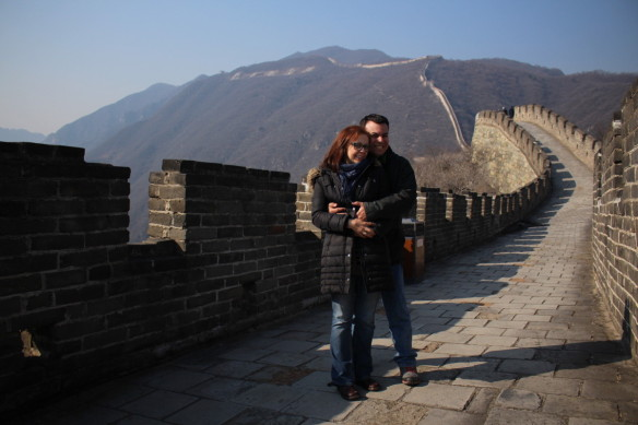 A romantic moment on the Great Wall of China, visiting Beijing