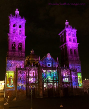Light show on the Puebla Cathedral