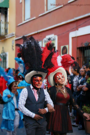 Street performers in Puebla