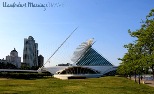 Shot of the The Milwaukee Art Museum that resembles a sailtboat