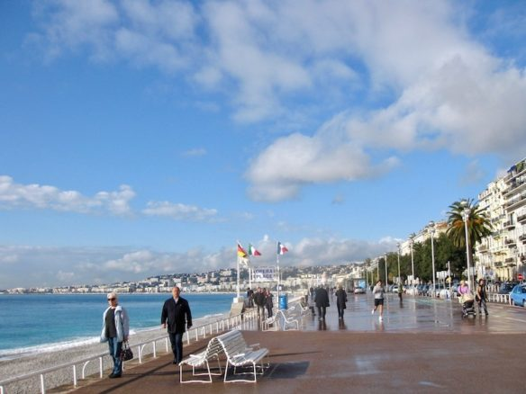 Board walk with people in Nice
