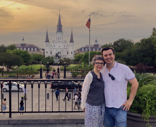 Alex and Bell standing in front of St Louis cathedral