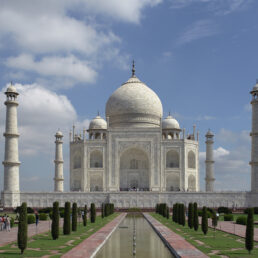 View of the Taj Mahal without any crowds